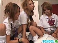 Студентка и ее подруги получают член