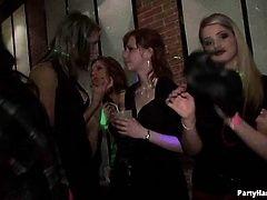 Жесткий секс на дискотеке