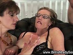 Британская мамочка Lady Sonia получила сперму на лицо