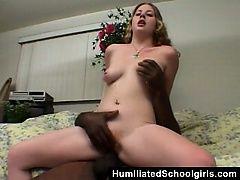 Студентка пропускает занятия ради ебли с негром