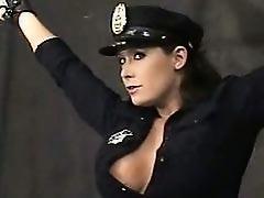 Женщина - полицейский