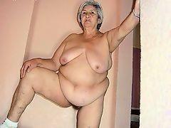Большая толстая старушка не стесняется демонстировать свое дряблое тело и висящие большие сиськи